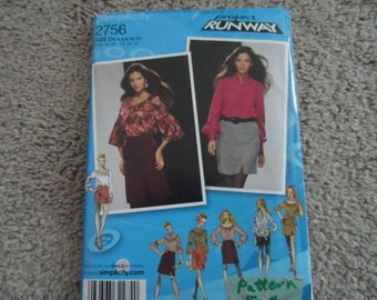 Simplicity 2756 Misses Blouse and Skirt Pattern Sizes 4-12 Uncut