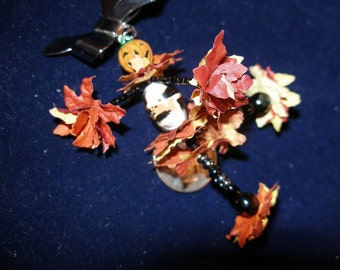 Doll pin brooch, BD Ofrenda, Dancing Jack-o'-Lantern Head  etsyBead paganteam Halloween24/7 SpookyCute OlympiaEtsy FunkyAlternativeJewelry