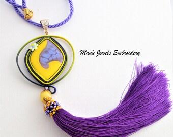 ciondolo soutache giallo viola, grandi gioielli, collana colorata, gioielli soutache, collana soutache, collana nappa, collana ricamata
