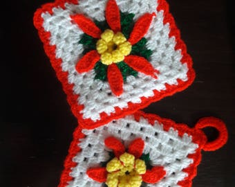 Vintage, Kitschy, Christmas, Crochet, Hot Pads, Set of 2, Granny Square, Pot Holders, Poinsettas