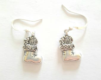 Earrings silver Christmas boot, silver wire, hand-made.