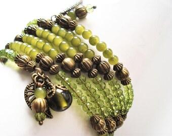 Green Bracelet Glass Jewelry Memory Wire Bracelet Tribal Jewelry Leaf Bracelet Green Jewelry Wrap Bracelet Leaf Jewelry Charm Bracelet Gift