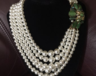 1950's vintage faux pearl necklace with floral clasp