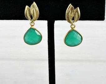 Emerald Earrings, Leaf Earrings, Gemstone Earrings, Drop Earrings, Stone Earrings, May Birthstone Jewelry, Small Earrings, Gold Earrings,
