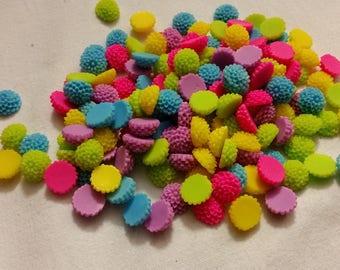 set of 20 small flower dahlia acrylic for embellishment, diameter cabochon.1cm
