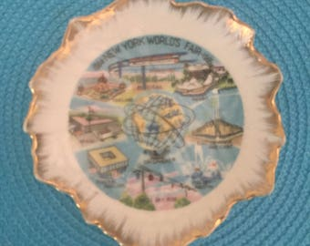 NYC Worlds Fair Unisphere collectors plate, 1964-1965.