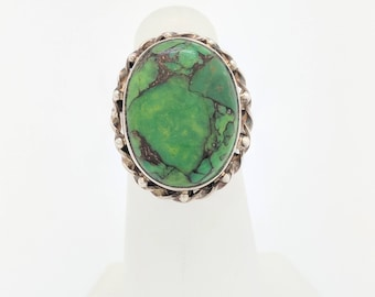Sterling Silver Green Stone Ring Size 5.5
