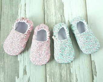 Milk & Cookies Pink Baby Shoes / Baby Moccasins / Baby Moccs / Vegan Moccs / Vegan Moccasins / Soft Soled Shoes / Waldorf / Montessori