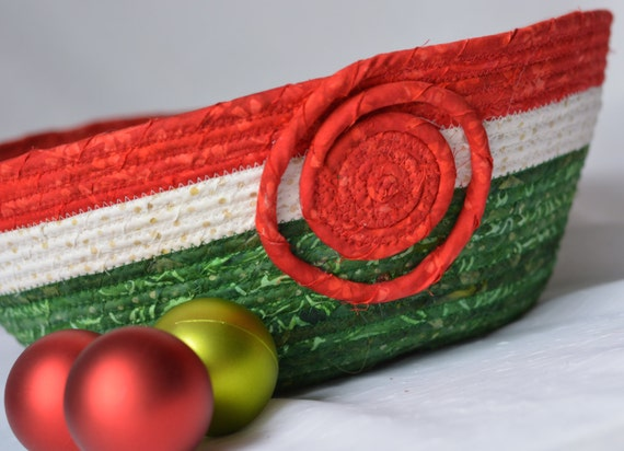 Artisan Batik Basket, Christmas Holiday Bowl, Lovely Christmas Decoration, Homemade Holiday Bowl, Red and Green Holiday Decoration