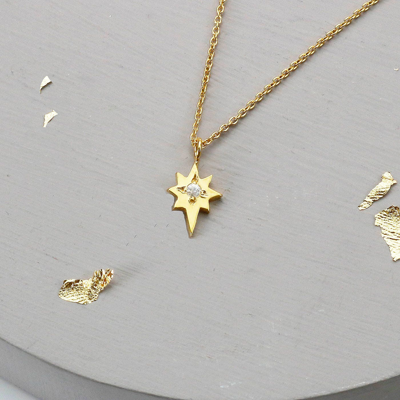 zoom delicate layla product pendant star aluna necklace north mae image gold