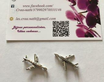 2 airplane charms