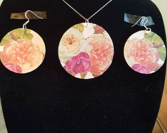 Floral peony earring set