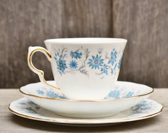 Vintage Colclough 'Braganza' Three Piece Teacup Set