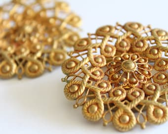 Vintage Pair Of Brass Scarf Clips - Flower Floral Mandala