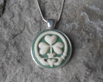 "Irish Claddagh Shamrock Cameo Pendant Necklace - .925 plated 22"" Chain - Great Quality, Clover, Green"