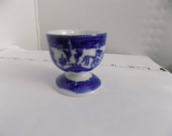 Blue Willow egg cup pre wwII fine condition