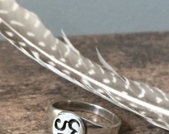 Sterling Silver Om Signet Ring Size 8 - Buddhist Yoga Jewelry Gifts For Her