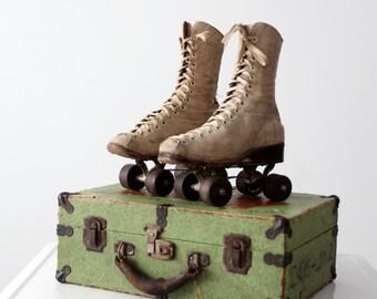 vintage Chicago roller skates with case, 1940s women's wooden wheel roller skates