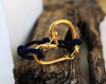 18k Gold heart fish hook bracelet with  paracord