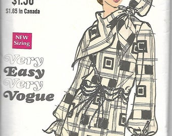 Vogue 7690      C1970's      Misses One-Piece Dress and Scarf   Size 10