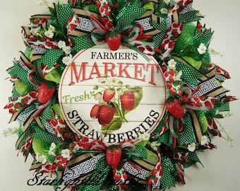 Strawberry Mesh Wreath, Farmer's Market Mesh Wreath, Summer Decor, Summertime, Front Door Wreath
