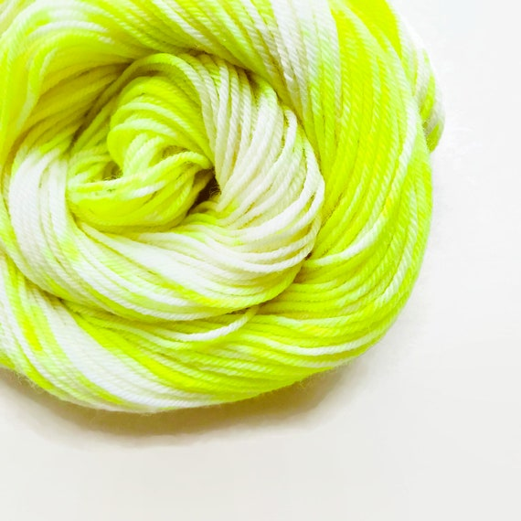 VOLT CREAM hand dyed yarn speckle