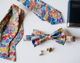 Blue Floral Bow tie,  Liberty of London Bow Tie, Blue Bow Tie, floral print bow tie, strawberry thief, mint bowtie, liberty of london, men's