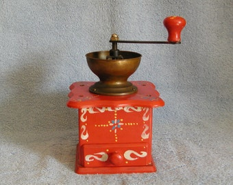 Coffee Grinder - Tole Style