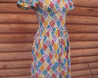 Vintage Handmade Dress with Diamond Flower Pattern
