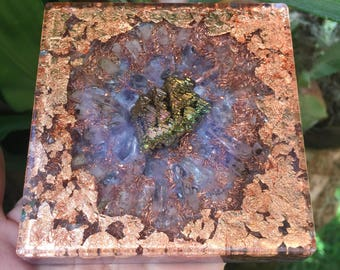 "Huakaʻi Journey Orgone Charging Plate with Bismuth, Amethyst and Copper (4"" square)"