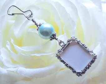 Wedding bouquet photo charm. Light blue pearl Wedding memorial. Bridal bouquet photo charm w/ shell pearl. Bridal shower gift for the bride.