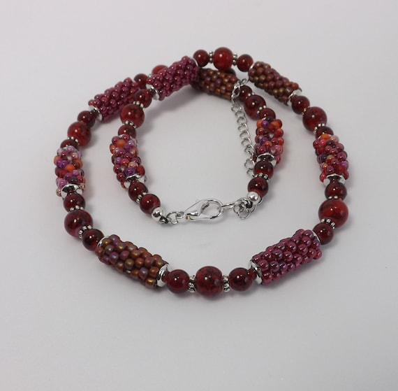 Peyote Stitch Beads Necklace in shades of Red Sku NK1013
