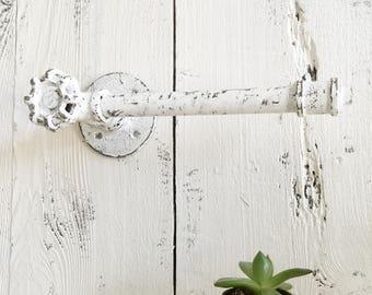Industrial Toilet Paper Holder, Pipe toiletpaper Holder, Bathroom Decor, Remodel, Industrial Design