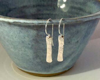 Silver hammered bar earrings / Sterling bar earrings / dangle earrings
