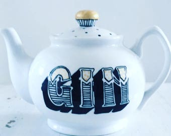 Hand painted traditional 5 cup teapot GIN