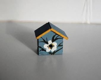 Miniature White Lily Birdhouse