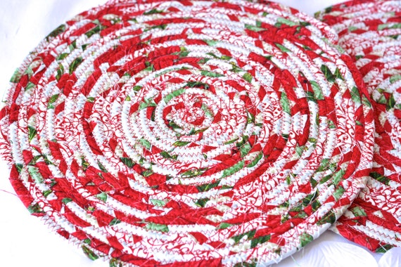 Lovely Christmas Trivets, 2 Handmade Place Mats, 2 Quilted Candle Holders, Potholders, Table Topper, Christmas Holiday Table Runner, Trivets