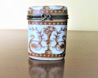 Vintage box with pills china and bronze,Mother's day,Pilulier,Art and Collections,Father's day