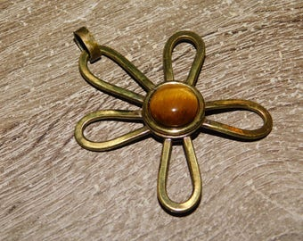 Vintage Mid Century Tigers Eye Flower Pendant For a Necklace dr53
