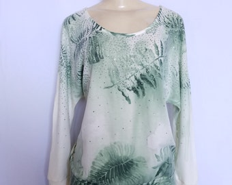 Jeweled Green Leaf Top with Water Color