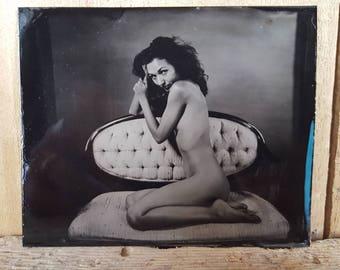Nude tintype of a model on settie Zoe -02