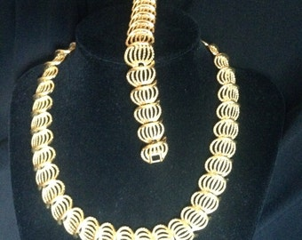 Vintage Napier Gold Necklace and Bracelet Set