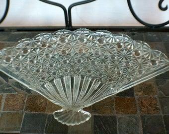 Beautiful Vintage Pressed Glass Fan Platter Daisy & Button Pattern