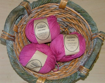 Cascade Yarns Key Largo Made in Peru Color No 1017 Lot No 373 Magenta Hot Pink Crochet Knit