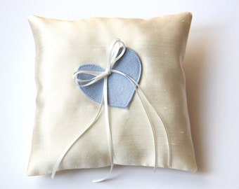 ring cushion with heart