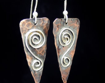 Hammered Copper Dangle earrings Spiral metalwork metalsmith - Rustic Romance Spirals