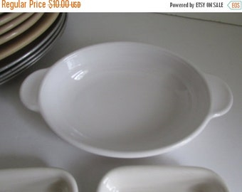 SALE Casserole Dish Oval Corning handled Bowl Rare sz Vintage White Corning Serving Bowl Corning 14-B