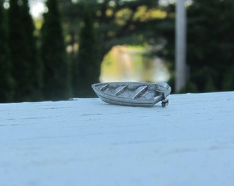 Motorboat Lapel Pin - CC294- Boating, Lake, Pond, Boats, Summer Fun Pins and Gifts