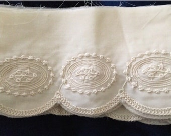 "Gorgeous Vintage Ecru Wide Embroidered Scalloped Trim, 5"" by 4 Yards, Sew, Craft"