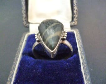 A unique black agate and silver ring - 925 - sterling silver - Marked 925 - UK T - US 9.75